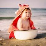 אמבטיה ראשונה לתינוק